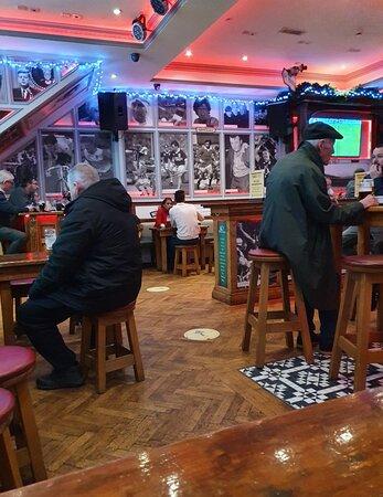 Lanigans Irish Pub along Ranelagh Street.