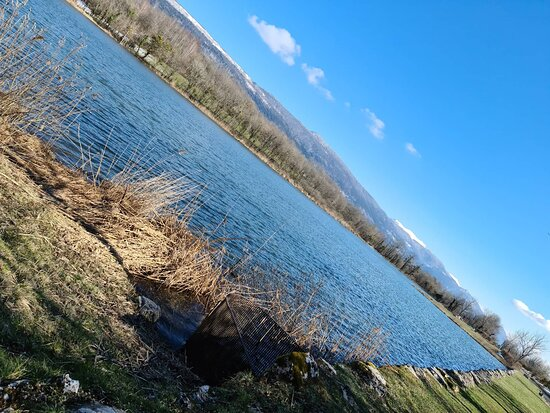 Champagne-en-Valromey, France: Lac Des Aillettes  ou Étang de Songieu