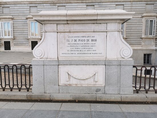Placa A Los Héroes Del 2 De Mayo De 1808