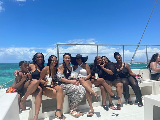 Aruba Champagne Breakfast and Lunch Cruise with Snorkeling Photo