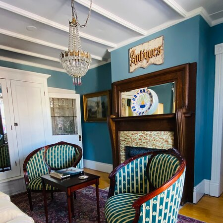 Godfrey suite sitting room