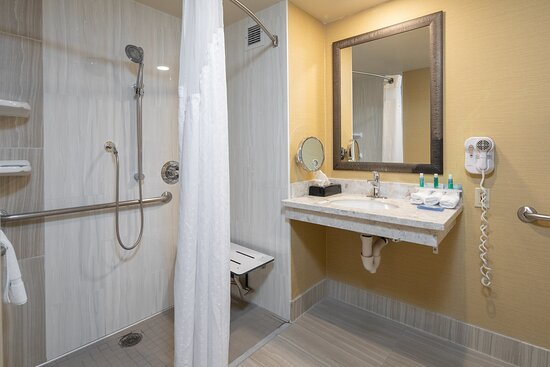 Walk-in Shower Holiday Inn Express Castro Valley East Bay