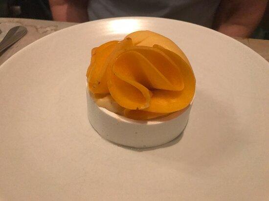 Cutler & Co. Yellow peach vacherin