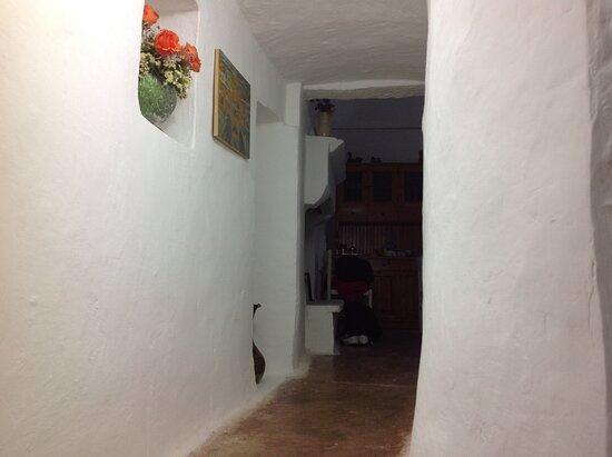 Villa Castelli, Italien: Estate nel trullo,passaggio dalla cucina (lamia) alla zona notte trullo(