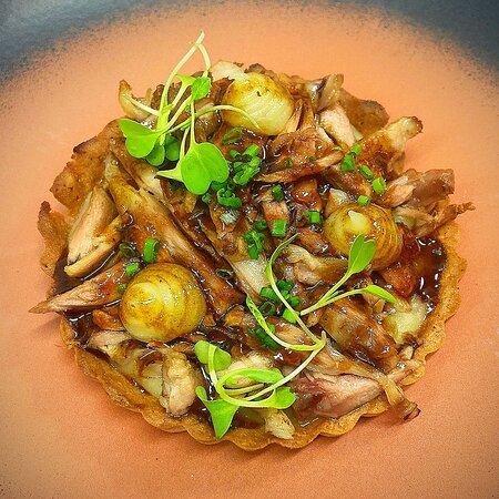 👨🍳👩🍳👨🍳 Aquí teniu una de les novetats que trobareu a la nova #CartaRice i al renovat menú #DegustacióRice:  🍽️ Tatin de xai amb salsa de ratafia  🎉 Dijous, dia 1 d'abril, tornem! Ja podeu fer la vostra reserva per WhatsApp al 655.51.61.15  #ReobrimRice #tatin #xai #ratafia #restaurant #Sabadell #proximitat #cuina #igerssabadell #Barcelona #RiceSBD #foodie #foodporn #DegustacióRice #menúdegustació