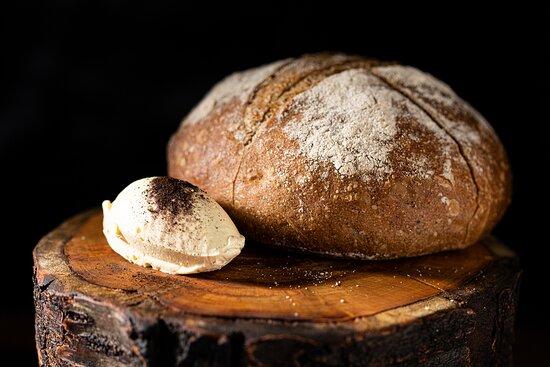 комплиментарный хлеб