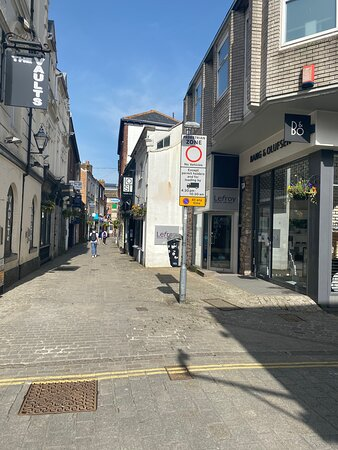 Gandy Street, Exeter (in lockdown)