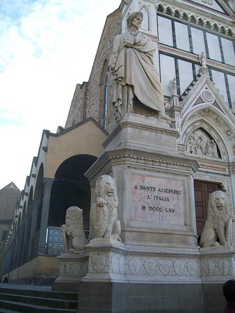 Budget Small-Group Tour of Florence main attractions with local licensed Guide: Dante Alighieri