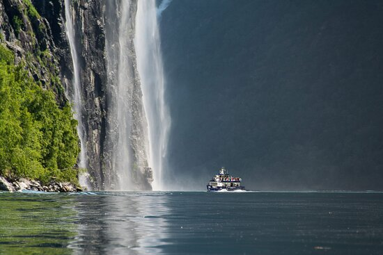 Alesund Geiranger Fjordcruise By Boat