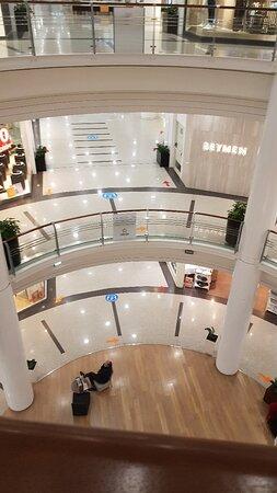 Armada Alışveriş ve İş Merkezi