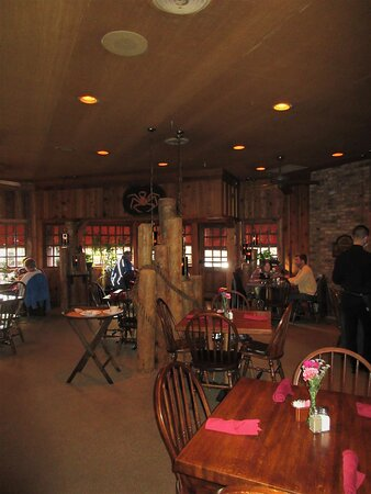 The Fish House: dining area. Peoria IL, March 2021