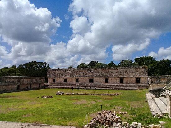 Campo Cuadrangular de las Monjas