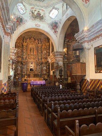 The interior and retablo