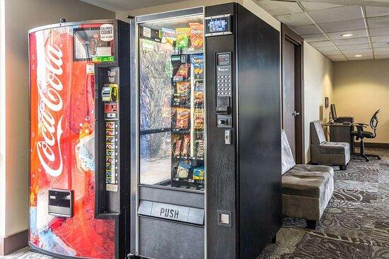 Bradley, IL: Hotel vending area