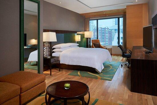 Renaissance Suite - King Bedroom