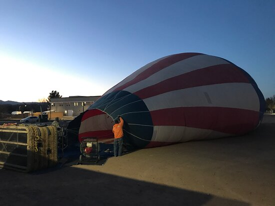 Albuquerque Sunrise Hot Air Balloon Flight: Getting the balloons ready in the morning!