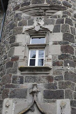 Hôtel des Princes de Monaco. Vue 6. Le Comté de Carladès offert en 1643 par Louis XIII à Honoré II Grimaldi, Prince de Monaco, Changeant du Protectorat Espagnol à Celui Français jusqu'en 1793. Vic Sur Cère 15800.
