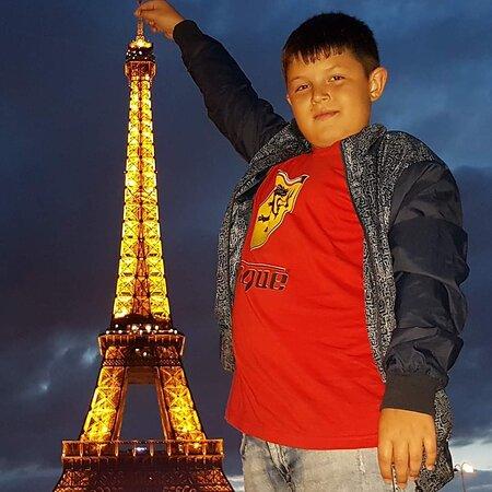 Эйфелева башня - виды с Тракадеро и с Марсового поля