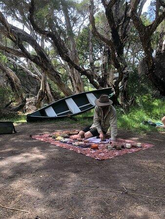Margaret River Canoe Tour Including Lunch: The bushtucker experience