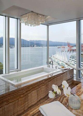 Prime Minister Suite Bathroom