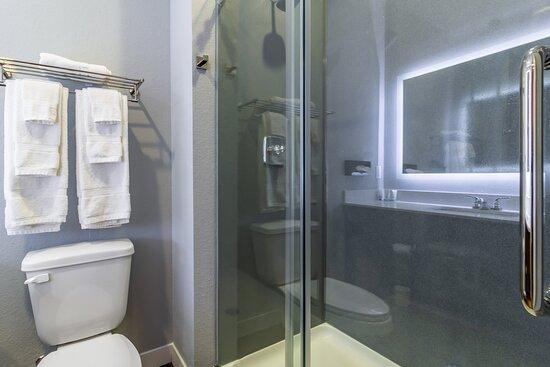 STXHYAccessible Bathroom