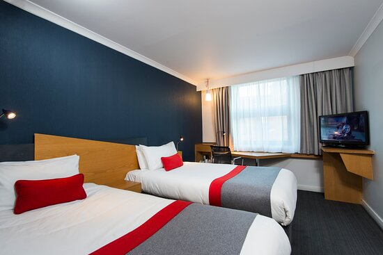 Like sharing? You'll love our comfy twin bedded rooms!