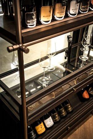 Top Class Wine Accessories: Chateau Laguiole Wine Opener & Zalto Handmade Glasses