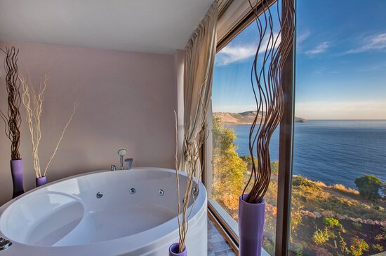 a nice view from our king suit's jacuzzi