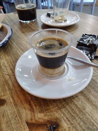 Pedí un café bombón y era muy pequeño.