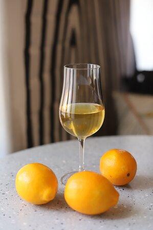 Фирменная лимончелло