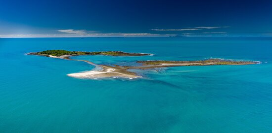 Whitsunday Islands, Australia: Aerial view of the island