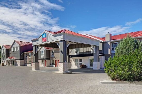 SureStay Plus Hotel by Best Western Drumheller