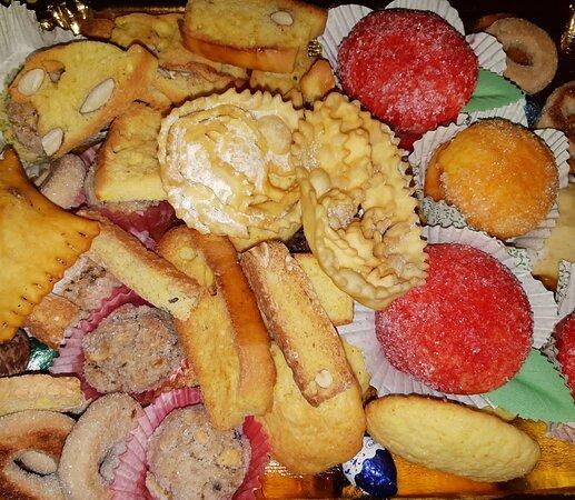 Marsicovetere, Itália: Tradizioni, dolci fatti in casa per Pasqua 2021 ....