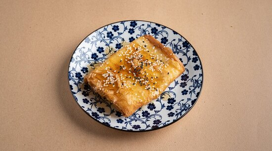 Φέτα τυλιχτή σε φύλλο κρούστας με μέλι και σουσάμι!!!