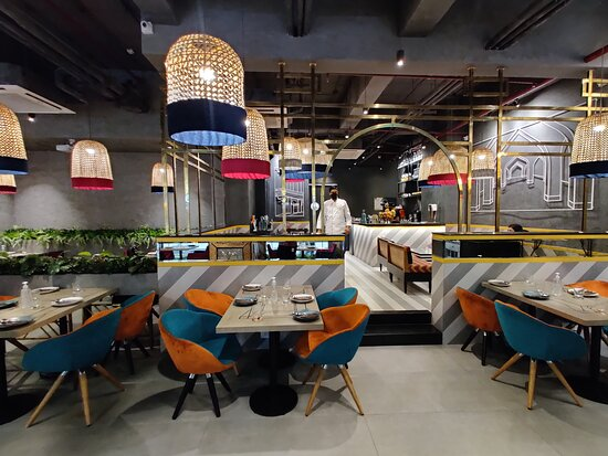 Fantastic flavors, awesome ambiance. A dining experience like never before. The all-new Dhansoo CafeCafe is now open at Pacific Mall, Tagore Garden.