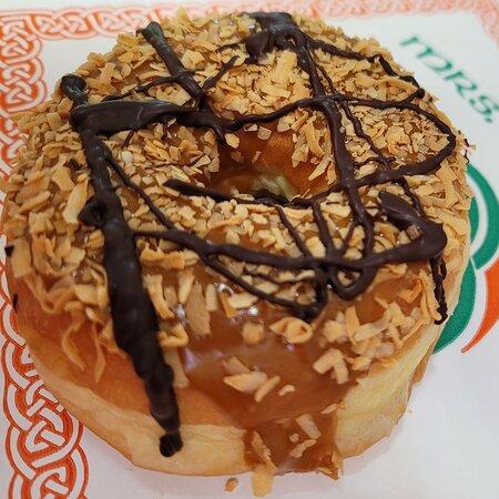 Southwick, MA: Samoa Donut