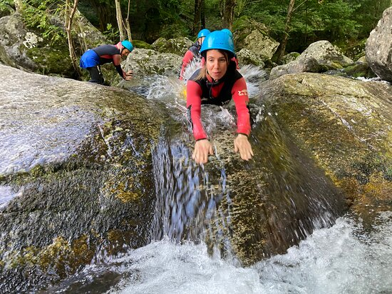 Canyoning Family Discovery - from 5 years old: Toboggans naturels faciles pour toute la famille - jamais obligatoires