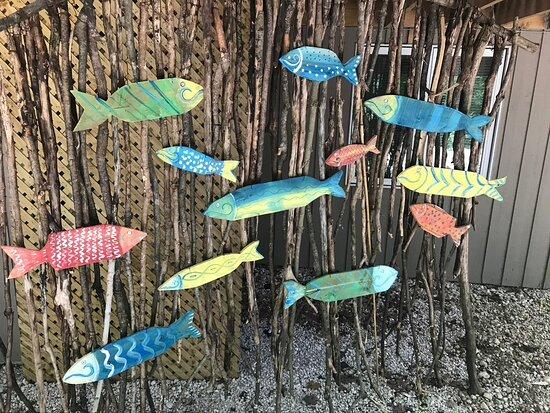 Singhampton, Canada: Fish swimming along on way to Studio 124