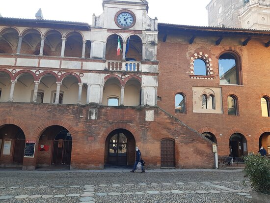 Palazzo Broletto - Pavia.