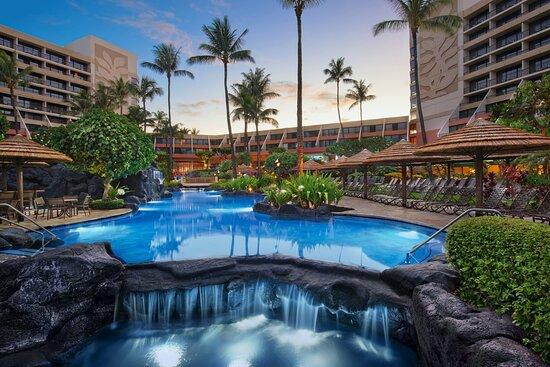 Outdoor Super Pool - Waterfall