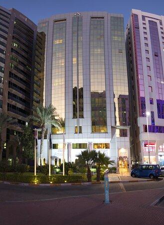 Al Rawda Arjaan by Rotana, hoteles en Abu Dabi