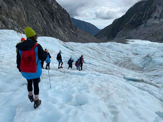 Heli Hike Fox Glacier: Treking on the ice