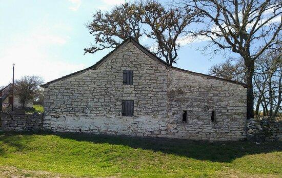 1857 barn on old san antonio road or old hy 9