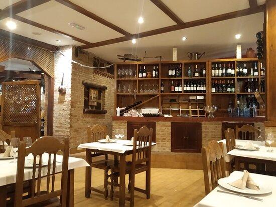 Sevilla La Nueva, Spanien: interior restaurante