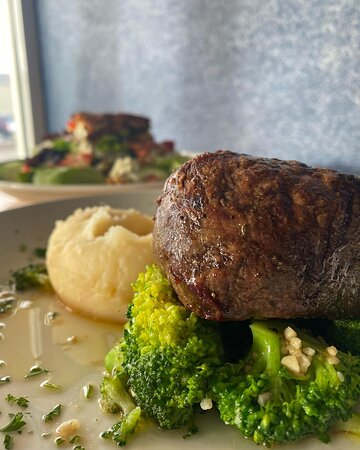 Steak au jus just may be one of the most delicious things ever!