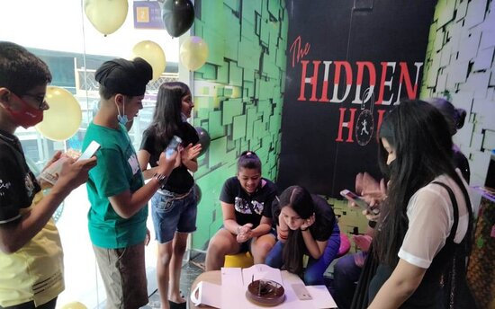These teams had it all - Friendship! Weekend fun! thrilling experience! What are you looking for? Heads up to The Hidden Hour and get thrilled with your group.