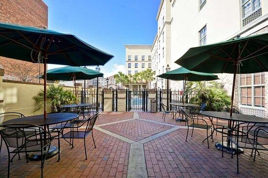 Hampton Inn & Suites Savannah Historic District, hoteles en Savannah