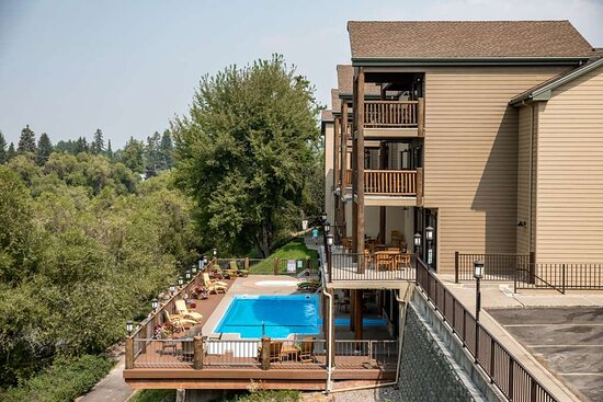 The Pine Lodge on Whitefish River, Ascend Hotel Collection