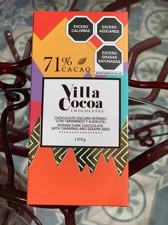 Chocolate Intenso con 71% de Cacao con Tamarindo y Ajonjoli