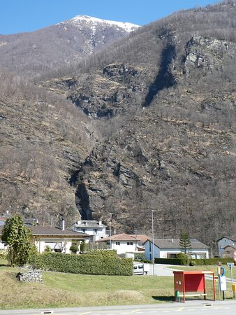 the crack with the Giumaglio rivulet
